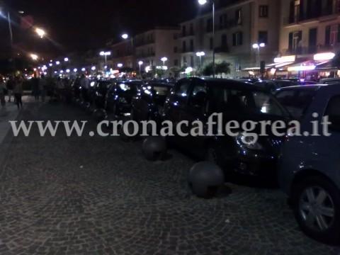 Auto in sosta vietata a via Napoli