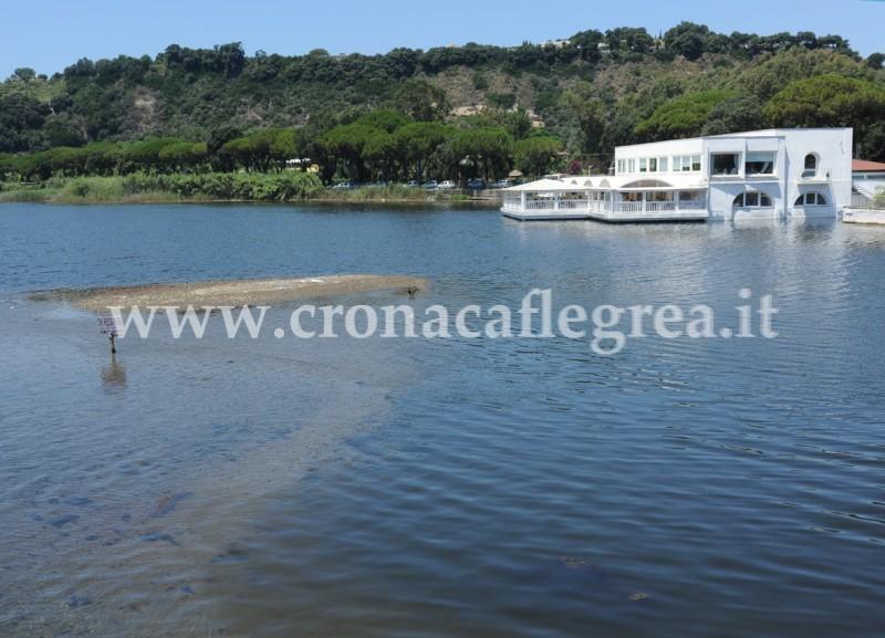 Nel lago lucrino una montagna di sabbia cronaca flegrea for Lago lucrino