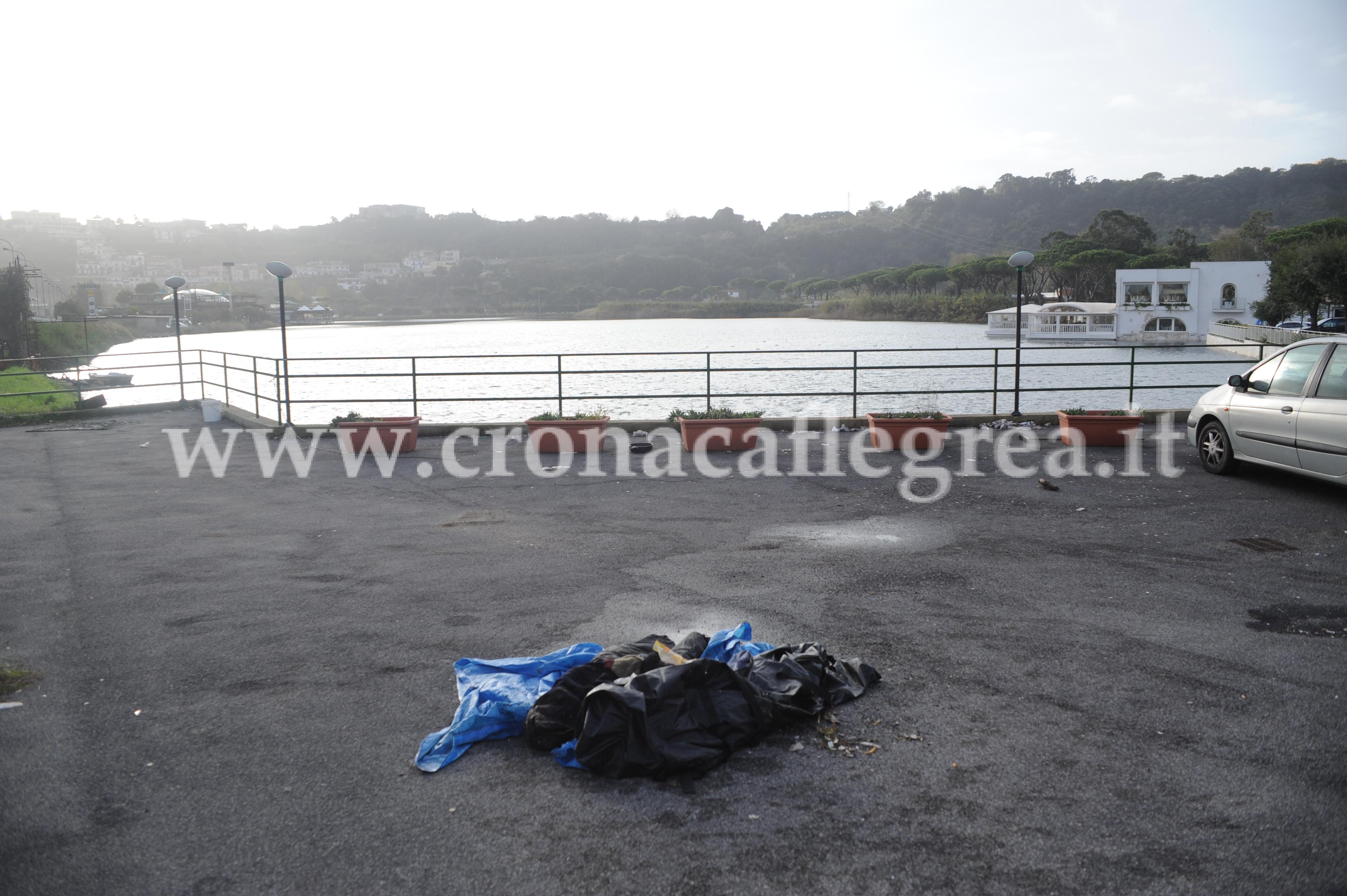 Pozzuoli fantoccio scambiato per cadavere nel lago for Lago lucrino