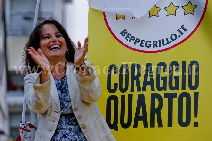 Rosa Capuozzo del Movimento 5 stelle eletta sindaco di Quarto (Napoli), 15 giungo 2015. ANSA /PRIMA PAGINA