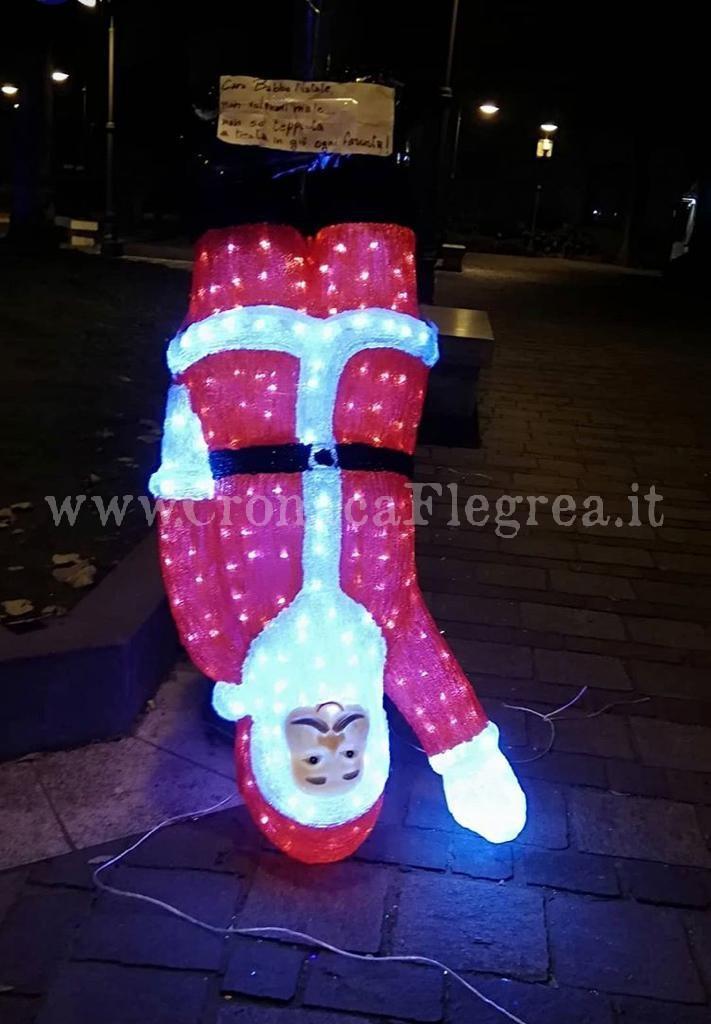 Posizione Babbo Natale.Fotonotizia Raid Nella Notte Contro Il Babbo Natale Fascista